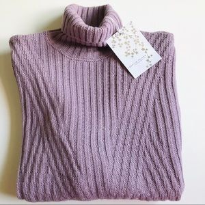 Med NWT Soft Lilac Ribbed Turtleneck Sweater
